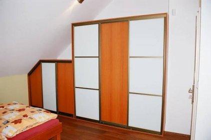 skříně do podkroví-2